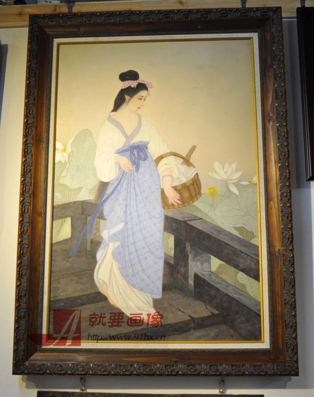 古典美女油画配好画框的油画效果